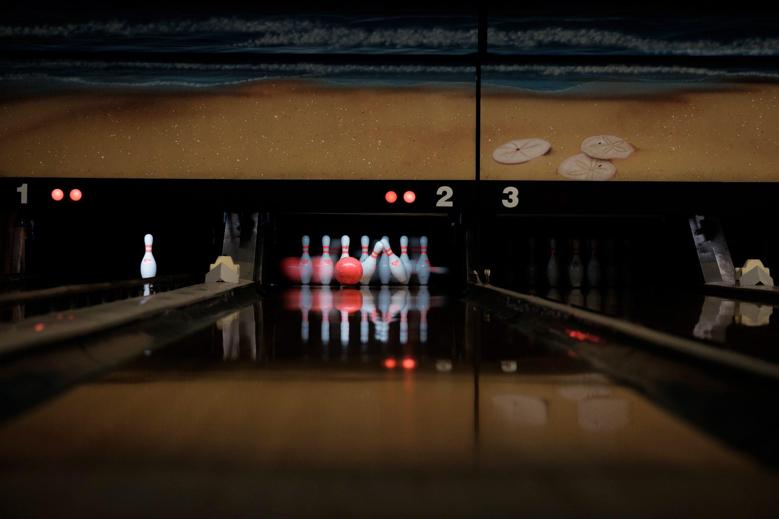 Moody bowling lane